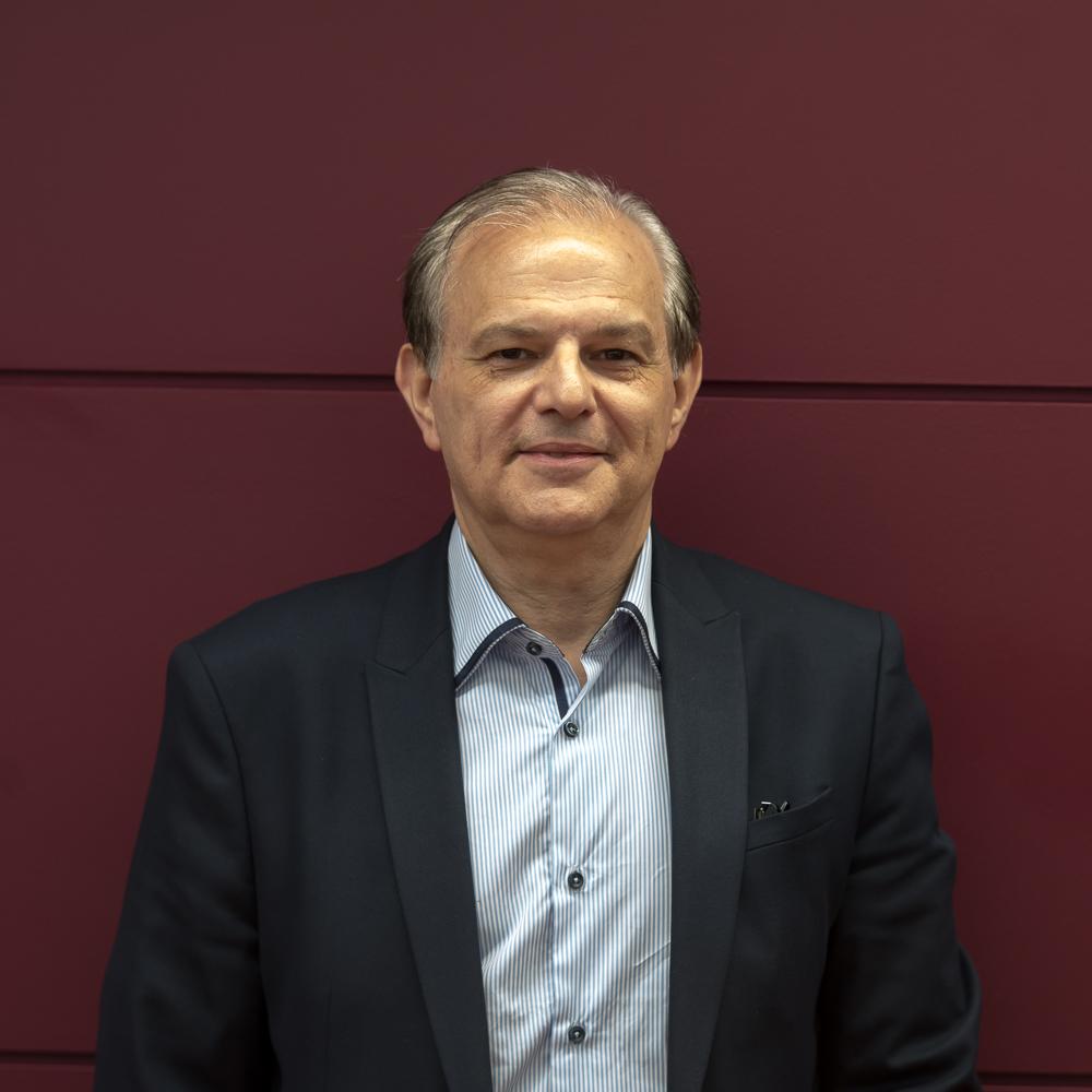 Dr. Alberto Maques